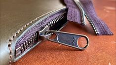 Leather Tutorial, Purse Strap, Leather Tooling, Leather Craft, How To Find Out, Zippers, Purses, Wallet, Learning