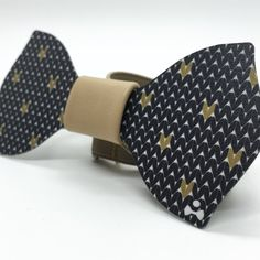 THIESTLE :THE DETAIL MAKES THE DIFFERENCE! A small but decisive accent, a detail that just makes us unique and impeccable.Explosions of colors and sophisticated patterns for contemporary bowtie made of alluminio. Discover more on http://ob-fashion.com/thiestle/?lang=en   #mensfashion #mensstyle #shopping #madeinitaly #luxury #obfashion #emergingtalent #emergingdesigners #fashion #اتجاهات #тенденции #トレンド #ファッション #мода #موضة #style #moda #bowtie