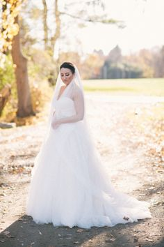 Fluffy ballgown: http://www.stylemepretty.com/little-black-book-blog/2015/02/26/elegant-winter-wedding-at-highlands-country-club/ | Photography: Kat Harris - http://www.katharrisweddings.com/
