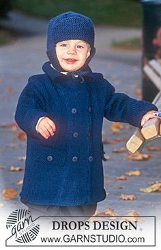 DROPS Children 9-17 - Duffle coat in Karisma Superwash, hat with earflaps in Alaska - Free pattern by DROPS Design