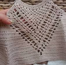 musculosas crochet boho ile ilgili görsel sonucu Débardeurs Au Crochet, Crochet Bikini Pattern, Crochet Halter Tops, Crochet Crop Top, Crochet Patterns, Crochet Bathing Suits, Crop Top Pattern, Crochet Fashion, Crochet Clothes