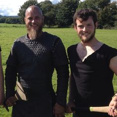 Travis with an extra on the set today~ #vikings #vikings4 #travisfimmel Vikings (Television Show) - Community - Google+