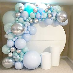 Source Round Circle Donut Acrylic White Wall Backdrop for Wedding on m. - Baby's Birthday/Baptism - Balloon Arch, Balloon Garland, Balloon Decorations, Birthday Party Decorations, Air Balloon, Balloon Centerpieces, Confetti Balloons, Baby Shower Backdrop, Baby Shower Balloons