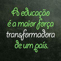 """""""O único caminho seguro para o futuro do Brasil é transformar a educação em prioridade de Estado..."""". Adoro matérias de candidatos falando sobre educação. E o Aécio sabe como falar sobre esse assunto. #ParaMudarOBrasil #AecioNeves #eleicoes2014 AecioPresidente http://aecioneves.com.br/artigos/pais-rico-e-pais-com-educacao/"""