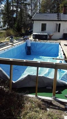Hanging a rectangular Intex Ultra Frame Pool directly from the pool deck Trouble Free Pool Oberirdischer Pool, Small Backyard Pools, Swimming Pools Backyard, Pool Landscaping, Lap Pools, Indoor Pools, Small Pools, Piscina Rectangular, Rectangular Pool