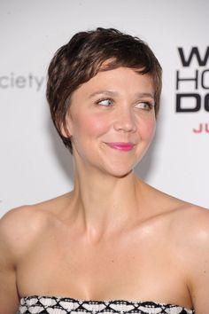 #Maggie Gyllenhaal #pixie #short hair #pixie haircut