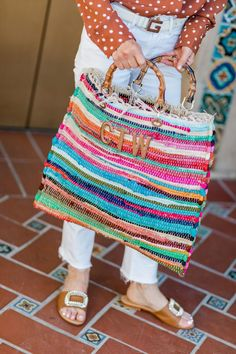 The Mia Bag from M.Gemi is my latest purchase that Crochet Food, Crochet Cats, Crochet Birds, Crochet Animals, Crochet Granny Square Afghan, Granny Squares, Knit Rug, Knitted Bags, Knitted Dolls