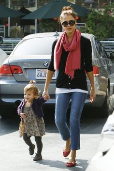 Jessica Alba in the capri  Jean