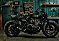 Winston Yeh of Rough Crafts gets his custom build talent on a Yamaha XJR 1300. His approach was simple but finishes off with a total Guerilla look hence calling it as Guerilla Four. Find out more at #SWIPELIFE #auto #motorcycles http://bit.ly/1M1wAeU