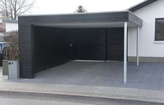 carport med kun stopler (ikke superfedt design, men placeringen)