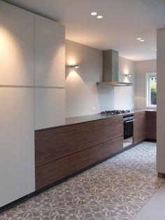 keuken op maat in jaren 30 woning |  tegels verkrijgbaar bij mozaiek utrecht