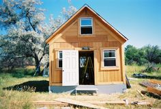A Solar Cabin in Two Weeks for $2,000 - Green Homes - MOTHER EARTH NEWS