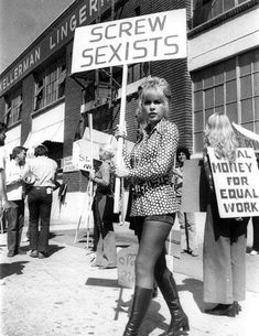 Stella Stevens pickets for women's rights Women Rights, Stella Stevens, Protest Signs, Protest Art, Protest Posters, Riot Grrrl, Mode Blog, Intersectional Feminism, Power To The People