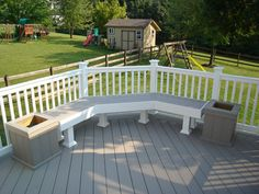 Low-maintenance AZEK decking bench and planters Deck Bench Seating, Built In Seating, Porch Bench, Garden Seating, White Deck, Deck Pictures, Deck With Pergola, Pergola Swing, Deck Patio