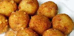 Doraditas y crocantes, las croquetas de polenta son toda una tentación, si quieres darle un toque personal a esta receta, puedes añadir queso, trocitos de jamón o pollo.