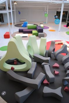 Could be kit for Arena - custom shapes that represent parts of body? Giant climb on puzzle Play Spaces, Learning Spaces, Kid Spaces, Playground Design, Indoor Playground, Cool Playgrounds, Soft Play Area, Kindergarten Design, Art Studio Design