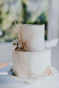 A Food-Focused Boho Wedding on the Australian Coast These Top Chef alums got engaged on national television! Wedding Cake Photos, Elegant Wedding Cakes, Wedding Cake Designs, Boho Wedding, Rustic Wedding, Fall Wedding, Wedding Rings, Wedding Cake Vintage, Wedding Cake Simple