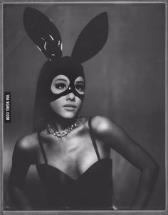 It looks like we will be getting some new music from Ariana Grande very soon!Ariana shared a 20 second teaser video of her new song Dangerous Woman that is Ariana Grande Fotos, Ariana Grande Bunny, Ariana Grande Photoshoot, Ariana Grande Tumblr, Ariana Grande Lyrics, Saturday Night Live, Ariana Grande Dangerous Woman, Star Wars, Cat Valentine