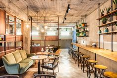 """Würst is a concept by famous Belgian chef Jeroen Meus, featuring his popular """"Haute Dogs"""". Together with Philippe Rondou, the best butcher in town, they embarked on a savory sausage adventure, and cr…"""