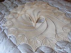 Ravelry: Begonia Swirl pattern by Carfield Ma
