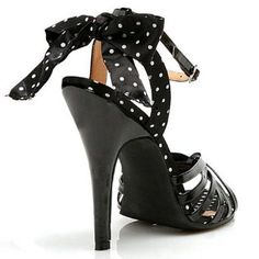 black heels with polka dot tie at the back= swoon <3