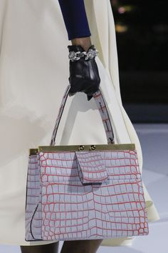 Louis Vuitton Fall 2018 Ready-to-Wear Collection – Vogue Balenciaga Handbags, Patent Leather Handbags, Burberry Handbags, Chanel Handbags, Designer Handbags, Leather Purses, New Handbags, Fashion Handbags, Purses And Handbags