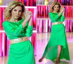 Mint egy hollywoodi filmsztár! Liptai Claudia neonzöld ruhában virított a színpadon | femina.hu