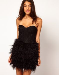 WANT this dress... just need to find somewhere to wear it hehe :)