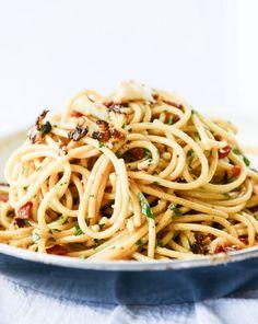 charred cauliflower carbonara pasta I howsweeteats.com