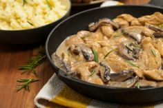 While beef stroganoff is the classic, this new chicken version is simply amazing Leftover Pork Recipes, Pork Wraps, Pork Curry, Chicken Stroganoff, Stuffed Mushrooms, Stuffed Peppers, Mushroom Chicken, Seitan, Herbs