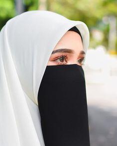 Stylish Hijab, Hijab Chic, Muslim Women Fashion, Islamic Fashion, Arab Girls Hijab, Muslim Girls, Mode Abaya, Mode Hijab, Beautiful Muslim Women
