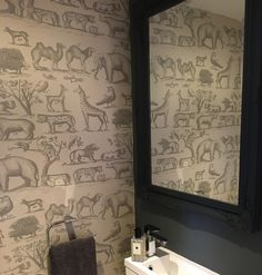 A feature wallpaper from Andrew Martin, featured in the Museum collection.The Andrew Martin ark wallpaper features animals from the jungle. Feature Wallpaper, Animal Wallpaper, Cool Wallpaper, Interior Design Tips, Interior Inspiration, Cloakroom Ideas, Downstairs Toilet, Bathroom Wallpaper, Museum Collection