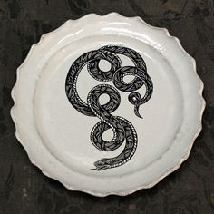 PATCH NYC - HOME DECOR - SERPENT DINNER PLATE {ASPPTC37}