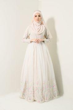 Kebaya Wedding, Muslimah Wedding Dress, Hijab Style Dress, Muslim Wedding Dresses, Hijab Bride, Muslim Dress, White Wedding Dresses, Muslim Brides, Muslim Hijab