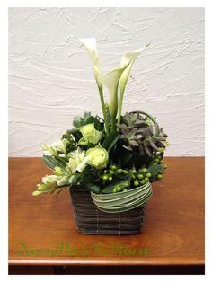フラワーアレンジメント : Flower Supplement - Flowering for the comfort living ------- 日々の生活を、心を豊かにする花の世界