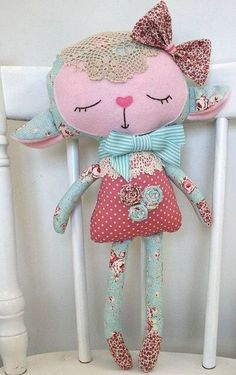 Sewing Toys * Dolls And Daydreams - Doll And Softie PDF Sewing Patterns: Handmade Easter: Lovely Lambs Fabric Toys, Fabric Crafts, Sewing Crafts, Sewing Projects, Paper Toys, Fabric Art, Softies, Dolls And Daydreams, Sewing Dolls