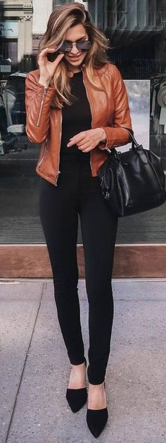 fall outfit ideas / all black + leather jacket