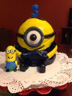 Torta Minions! Diseño Gaby.