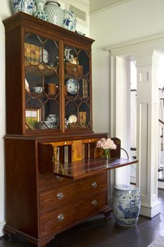 Style Profile: Amy Berry - The Glam Pad Vintage Furniture, Home Furniture, Rustic Furniture, Outdoor Furniture, Stripping Furniture, Furniture Dolly, Furniture Logo, Furniture Stores, Décor Antique