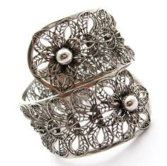 Vintage Openwork Flower Clamper Bracelet by Secondhand Bijoux,
