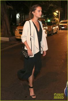 Alicia Vikander Enjoys Brazil After Louis Vuitton Event: Photo #3668564. Alicia Vikander leaves a dinner with friends on Saturday night (May 28) in Rio de Janeiro, Brazil. The 27-year-old Oscar winning actress was in the city to attend…