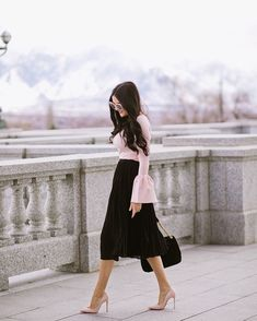 - Pink Peonies by Rach Parcell Bell Sleeve Top Outfit, Modest Fashion, Fashion Outfits, Women's Fashion, Skirt Fashion, Estilo Kate Middleton, Lace Dress, Dress Up, Look Rose