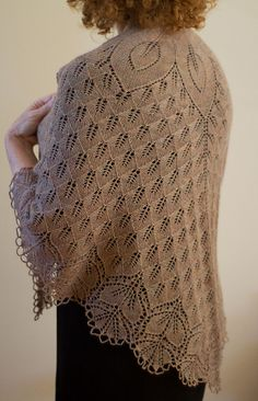Ravelry: Fiori di Sole pattern by Rosemary (Romi) Hill lace shawl Crochet Cardigan, Knitted Shawls, Crochet Shawl, Knit Crochet, Knitting Machine Patterns, Baby Scarf, Crochet Teddy, Lace Knitting, Crochet Clothes