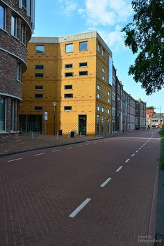 Wolweg Veenendaal. Photo by Henk G. Multi Story Building