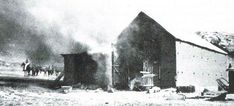 Burning a Boer Farm during the South African War - source unknown Spook Houses, War Novels, Armed Conflict, The Settlers, History Projects, Second World, African History, Back In The Day, Warfare