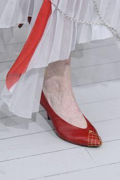 Céline at Paris Fashion Week Spring 2018 - Details Runway Photos