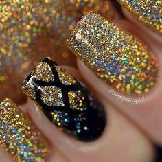 Blk~Gold Nail Art ❤