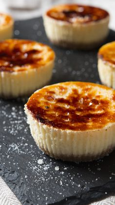 Mini Creme Brûlée Cheesecakes is part of dessert Cheesecake Mini - Two divine desserts come together for one flavorful union Creme Brulee Cheesecake, Mini Cheesecake Recipes, Mini Desserts, Just Desserts, Delicious Desserts, Yummy Food, Mini Cheesecake Bites, Bite Size Desserts, Creme Brulee Cake