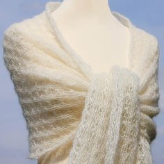 Bridal shawl ivory, cream wedding shawl, mohair silk, knitted by LOVELYinWOOL on Etsy, € 59.90,-  Brautstola elfenbein, Mohair / Seide, Lacemuster, gestrickt von LOVELYinWOOL, € 59,90,-,