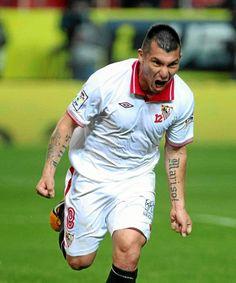 Sevilla 3-1 Deportivo: doblete de Gary Medel